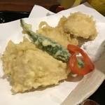 饂飩とお酒 からほり きぬ川 - 塩で食べる天ぷら