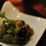 バー アップトゥーユー - オリーブの白ワイン煮☆色んなお酒に良く合う、手軽な一品です。