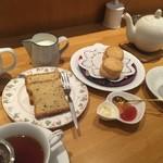 ティーハウスタカノ - 紅茶のパウンドケーキ、スコーン