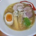 爆じゅう餃子 餃点 - 料理写真:醤油ラーメン 750円