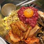 熟成焼肉 八億円 - ユッケビビンバ 1,480円