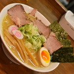 自家製熟成麺 吉岡 - 料理写真:特製ラーメン(1,000円)2018年5月
