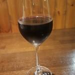 ホルモンバルヤマト - グラス赤ワイン 飲みホーダイに入っている。!