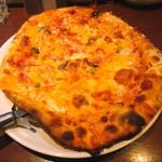OLIVE - モッツァレラトマトピザ 790円