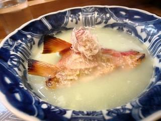 肴とお酒 うを弘 - 金目鯛のカマ そら豆出し浸し