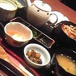 日菜や - 鶏まぶし膳980円。