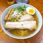 麺屋ひょっとこ - 和風柚子焼豚麺(¥930)。焼豚3枚のボリュームは相当なもの!