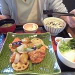 大戸屋 - 料理写真:鶏黒酢あん定食(ひじきご飯)