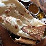 インド食堂 チチル&シシリ - ダルバート ナン