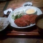 ハンキーパンキー食堂 - 料理写真:チキンカツ定食(アーモンド風味)