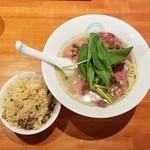 87004246 - 冷製 赤い生山椒そば+牛バラ肉と生山椒の炊き込みご飯