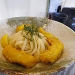 麺結び じん - 料理写真:かしわ天ぶっかけうどん800円(冷)