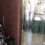 立ち飲み居酒屋 ドラム缶 - 4階のお店の入口