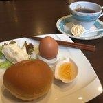 ななかまど - 料理写真:ブレンドコーヒー400円とモーニング