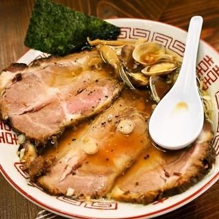 大衆食堂スタンド そのだ - 料理写真:肉まし中華そば