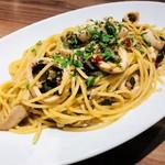 ★スルメイカと黒オリーブのペペロンチーノ ~スパゲッティ~
