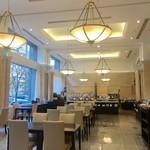 Restaurant Forest Coast - 天井も高く開放的