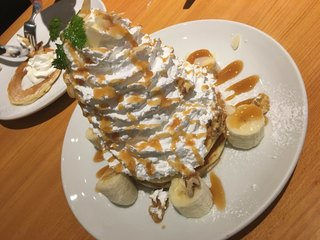 デンバープレミアム イオンモールつくば店 - キャラメルバナナパンケーキ