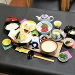 和彩食堂あけぼの - 天ぷらとろろ膳(自然薯)2100円