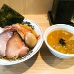 中村麺三郎商店 - 特製鶏豚白湯つけ麺 1150円。特製にすると250円アップ、大盛1.5玉は+100円。