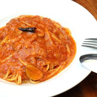 """大定番""""トマトとニンニクのスパゲティ""""は、やっぱり美味しい◎"""