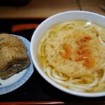食事処 ニュー因幡 - 海老天うどんとかしわ飯にぎり。