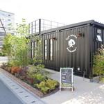 Cafe terrace kikinomori - お店の出入り口はこちら側です(2018.06)