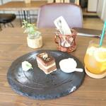 Cafe terrace kikinomori - 午後3時半 土曜日(2018.06)
