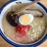 九州ラーメン たかさき屋 - 料理写真:九州ラーメン(税込600円)