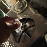 KURAND SAKE MARKET - セルフグラス洗浄