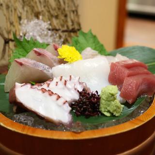 入道 - 料理写真:刺盛5種2人様(地だこ・平政・剣先いか・まぐろ・天然平目)
