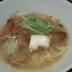ニシキ イワモト・マツヤマ・ラーメンバー - 鯛塩らあ麺(900円)鯛の風味は絶妙です