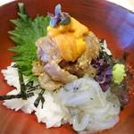 87052309 - ランチ:天然真鯛、ウニ昆布締め、白魚の爆弾丼