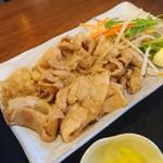じろう食堂 - 生姜焼きのアップ