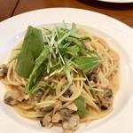 アンジェロ開成 - 浅利と水菜の和風ガーリックソース