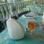 ローズタウンティーガーデン - お茶のセット