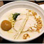 IZASA - 冷やしラーメン+味つけ玉子 750+100円 ドンブリまで冷え冷え♪暑い日にぴったりの一杯です。
