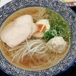 Momokura - 鶏だし中華そば塩780円