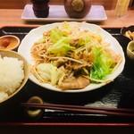 酒菜とごはん 花籠 - 豚バラ肉のしょうが炒め定食680円