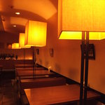 MUBU - 奥のテーブル席は個室的な雰囲気も・・・・