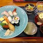 海鮮 お食事処 大橋 - 料理写真:すしランチ