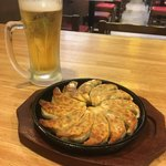 鉄鍋餃子と190円生ビール 3.6.5 - 食後は無料券でぎょ〜ビ〜