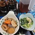 福食堂 - ほうれん草と玉子の炊いたんと色んなん炊いたん。