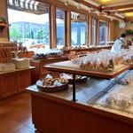 ペンギン - デザート系パンが多めなパン屋さんです。