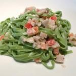 ラ・パンセ - 緑の麺はほうれん草ではなく青海苔!