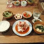 mori cafe - 芋豚ロースの冷しゃぶトマトじょうゆ、トマトのおひたし大葉風味、チーズ豆腐おしょうゆダレ