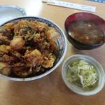 天健 - かき揚げ丼+味噌汁
