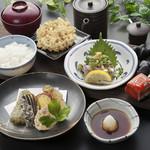 天ぷら つな八 - 季節ランチ  鯵の叩き定食