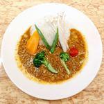 87095888 - 野菜たっぷりカリー 税込@1,134円                       野菜カレーは彩もよく、なかなか唆られる見た目。