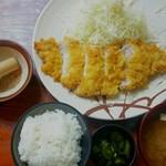 林屋本店 - 期間限定 わらじとんかつ定食¥1,080